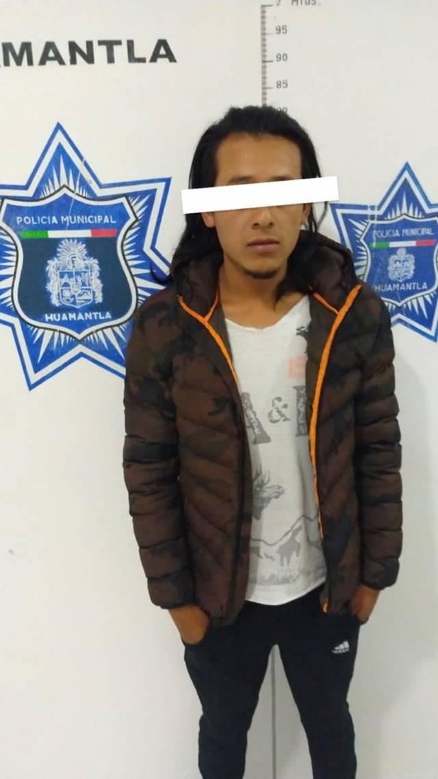 En persecución policía municipal detienen presuntos asaltantes de tiendas OXXO