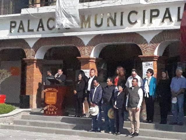 La bandera Nacional nos da identidad y fortaleza y es símbolo de orgullo: alcalde