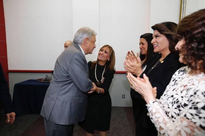 Lorena Cuéllar se reúne con el presidente electo de México