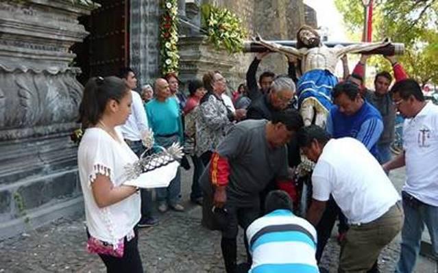 Celebran Misa para El Señor del Coro en Santa Cruz Tlaxcala