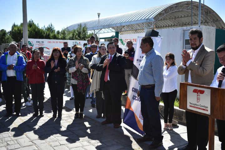 Alcalde impulsa la educación y el desarrollo en el municipio con electrificación