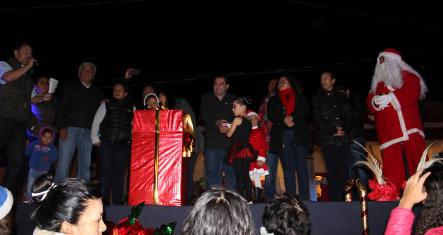 Que estas fiestas navideñas compartamos amor y felicidad: alcalde