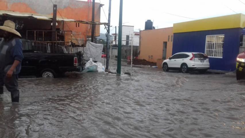 Atiende comuna de Tlaxcala llamados tras fuerte lluvia en Ixtulco