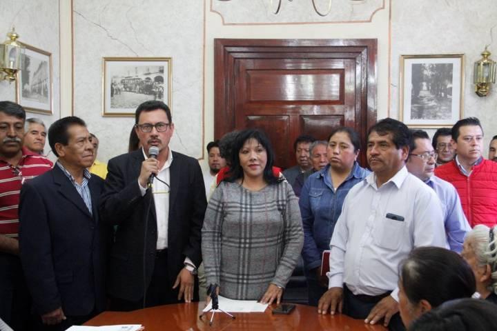 Entrega Anabell Ávalos apoyos de vivienda e infraestructura