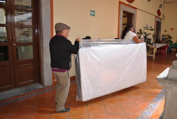 El DIF municipal apoya a pacientes con Insuficiencia Renal con un colchón