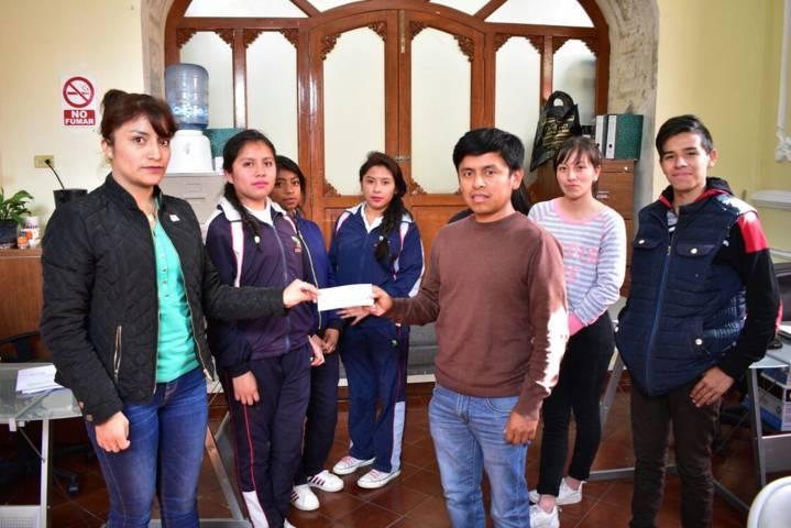 Alcalde incentiva a estudiantes del EMSAD 26 en su viaje de estudio por Oaxaca