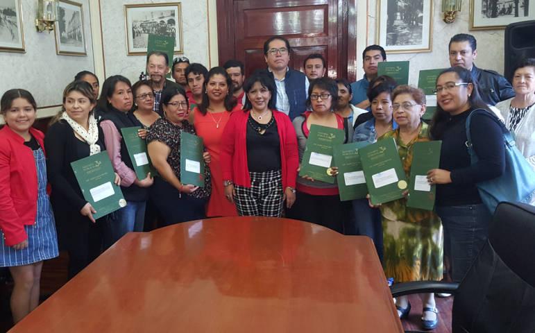 "Entrega alcaldesa escrituras del programa ""Formalizando tu Patrimonio"""