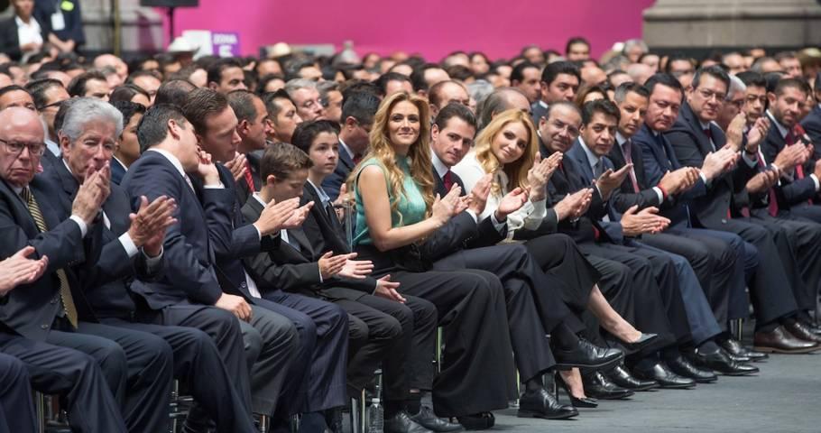 Reforma: Peña y su gabinete buscan el amparo de la SCJN para no ser detenidos por el caso César Duarte