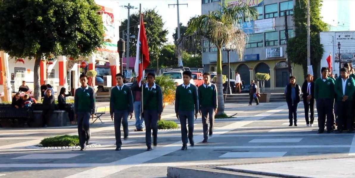 Alcalde rindió homenaje a los Niños Héroes de Chapultepec
