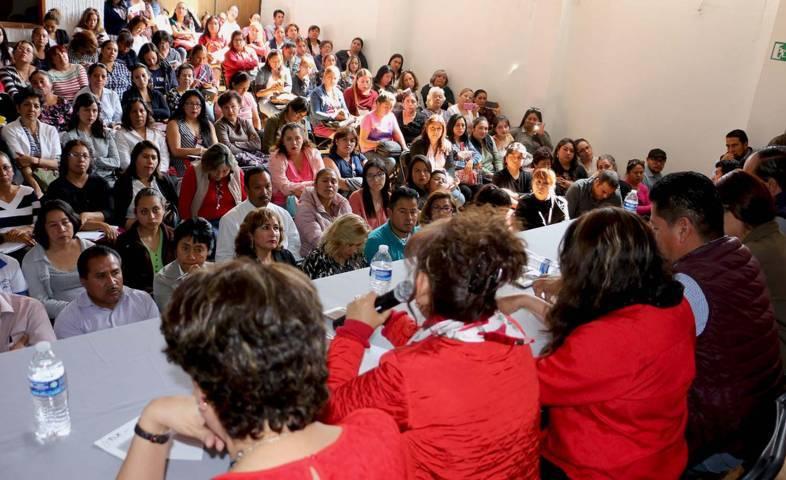 Se reúne Lorena Cuéllar con responsables de estancias infantiles
