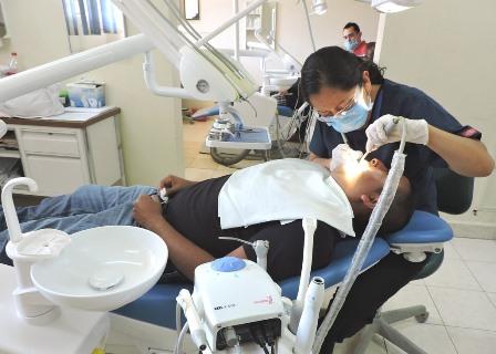 A más de 25 mil personas atenderá IMSS en semana de salud bucal