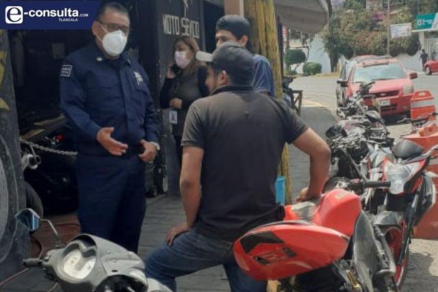 Policía y comercio de Totolac dialogan para evitar la obstrucción del paso peatonal