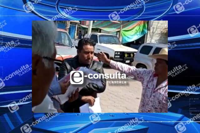 Edil de Huactzinco hace obras tontas, reprochan ciudadanos