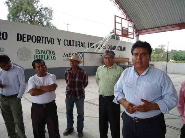 Construye Municipio sanitarios públicos en área deportiva de Quiahuixtlan