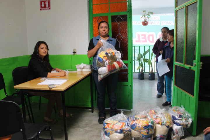 Continúan apoyos a educación en Papalotla