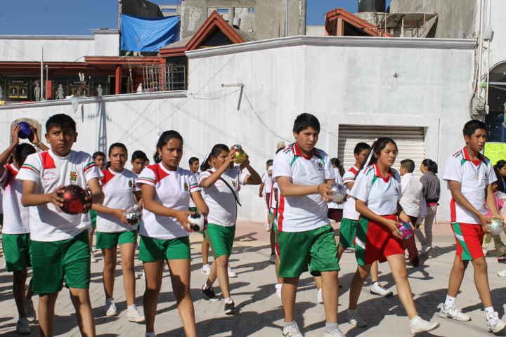 Encabeza Israel Muñoz desfile del 20 de noviembre