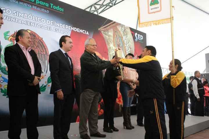 Encabeza alcalde Hugo Celis Galicia la celebración del CCV Aniversario de la Independencia