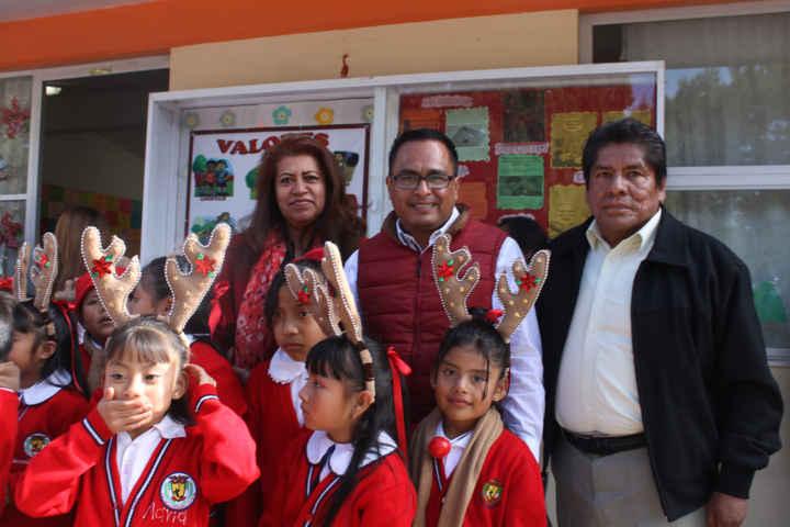 Inauguran techumbre de escuela de Papalotla