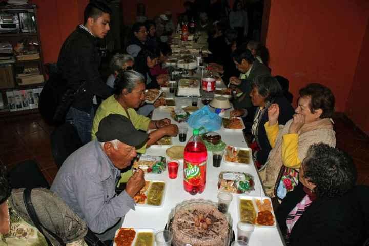 Autoridades Municipales y Distritales conviven con Adultos Mayores de Calpulalpan