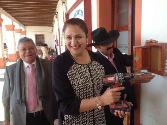 Colocan buzón de quejas y sugerencias sobre arbitraje médico en Nanacamilpa