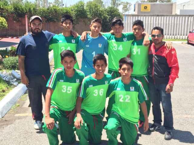 Debutan equipos tlaxcaltecas de fútbol en Juegos Populares