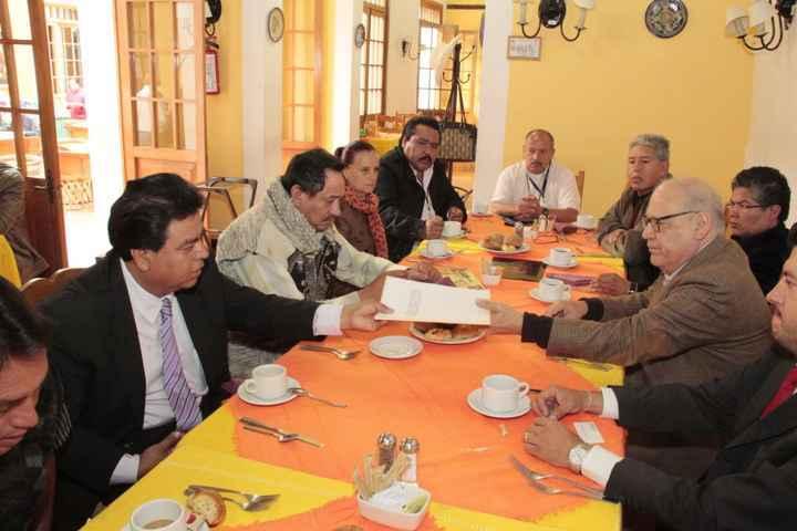 Gestiona alcalde de Totolac solución a problema de agua potable de Quiahuixtlán