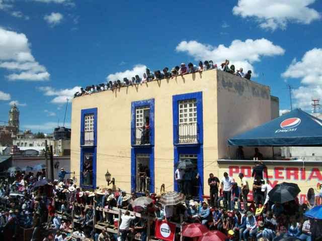 Prohíben uso de 22 casas para ver la Huamantlada