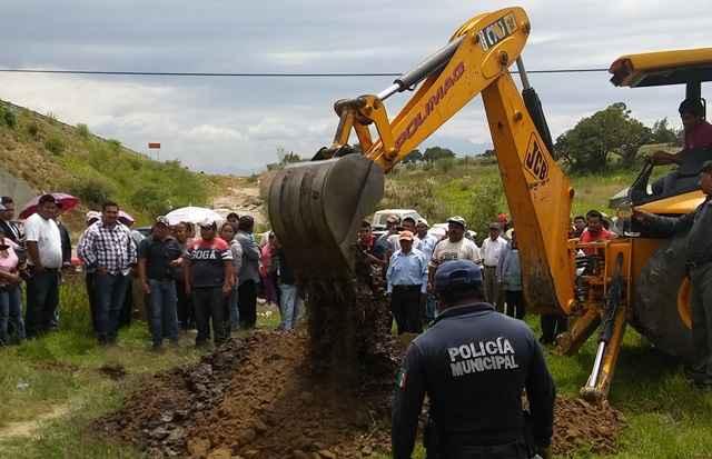 """Destruyen pozo porque la CAPAM """"no se mochaba con el pueblo"""""""