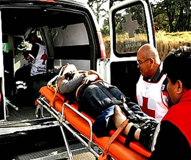 Fallece un hombre prensado al empujar un vehículo descompuesto