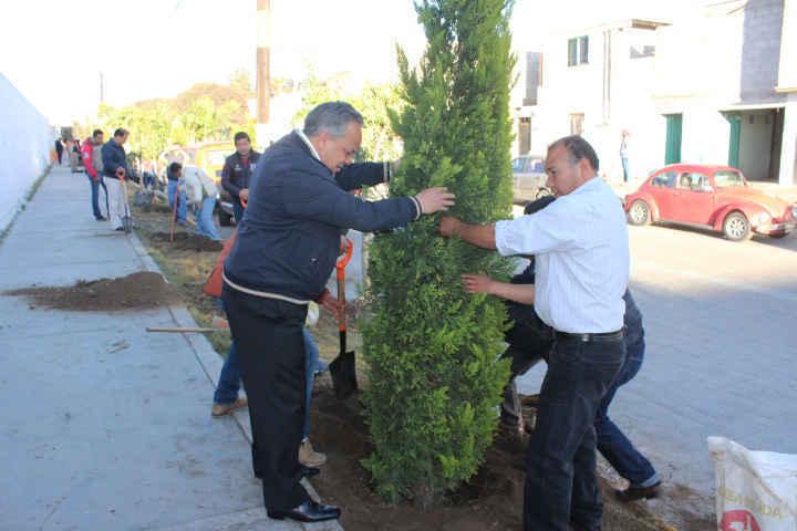 Encabeza JAAL trabajos de mantenimiento urbano