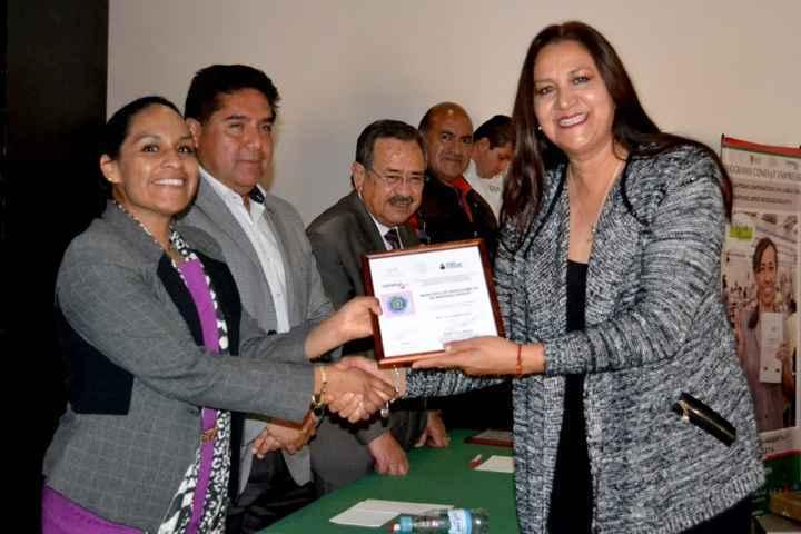 INEA reconoce a LCO encaminar acciones al fomento educativo