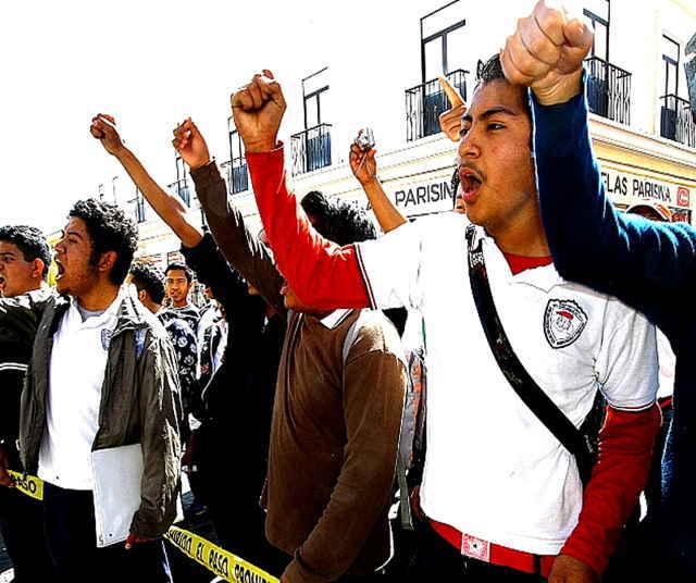 Estudiantes de la FENERRR amagan con marcha y plantón