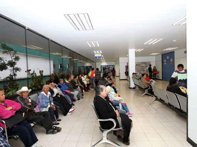 Especialistas y sindicalizados se van a campañas en SESA