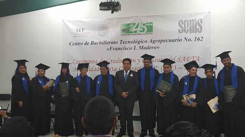 Apadrina VHR a Graduados de Preparatoria Abierta CBTa 162
