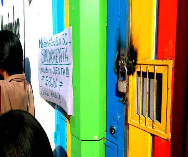Cierran jardín de niños en Apizaco, colocan candados