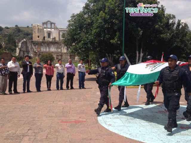Realizan autoridades de Tepeyanco fijación de bando solemne de fiestas patrias