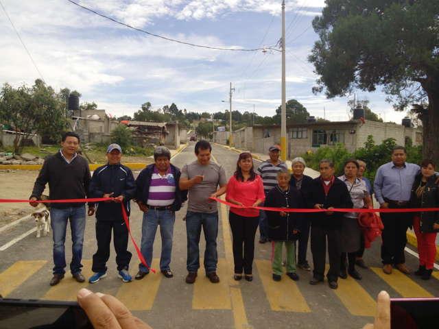 Inaugura CLV pavimentación de calle Leona Vicario, en Amaxac