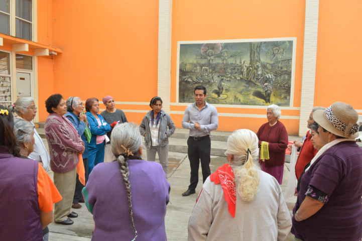Zainos Flores apoya a ciudadanas de Tepeyanco
