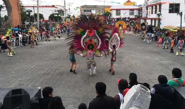 """Con """"broche de oro"""" cierran festejos de carnaval en Tetlanohcan"""