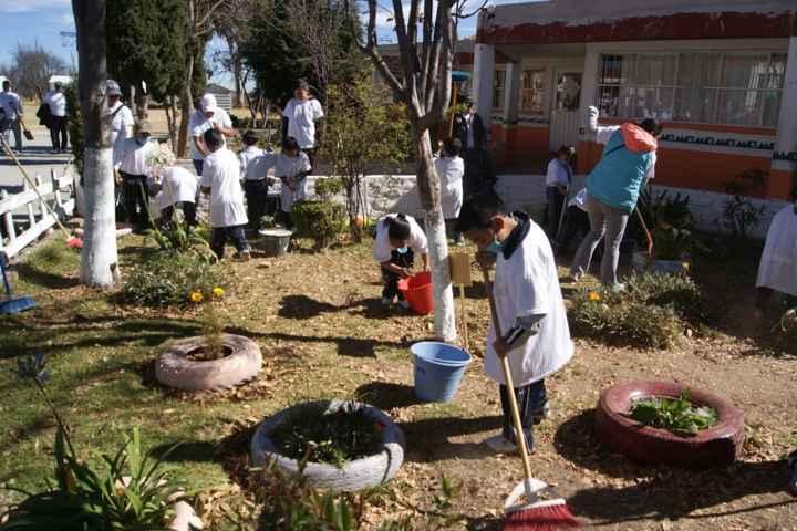 """Nanacamilpa, sede Estatal de programa Nacional """"Escuela limpia y su entorno"""""""