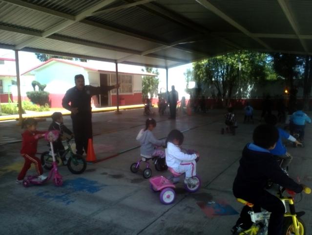 Acreditables de la Policía Estatal de Tlaxcala, capacitan a infantes de Contla