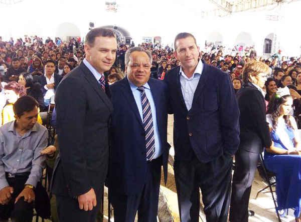 Reconocen a JAAL en el 491 Aniversario de la fundación de Perote