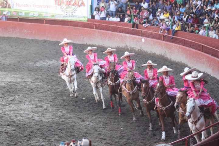 1ª gran feria de escaramuzas. Cuna de la nación en Feria de Tlaxcala 2015