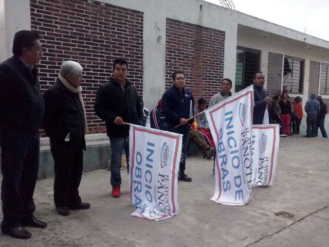 Realizan banderazo de obra en Panotla