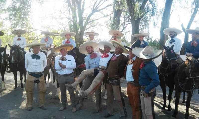 Coleadero con Candia y charreada en Tulancingo