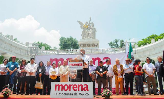 Reconoce AMLO trabajo de Martha Palafox en Tlaxcala