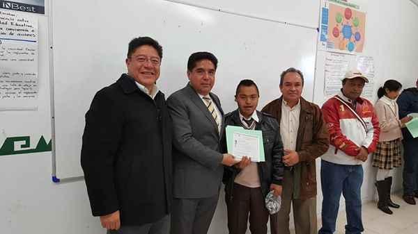 Entrega VHR Certificados de educación Primaria a alumnos del CAM
