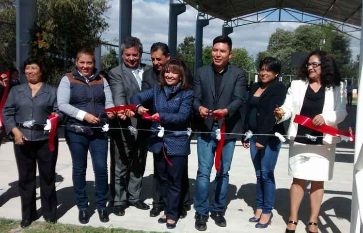 Inaugura Tepeyanco techumbre en Telesecundaria