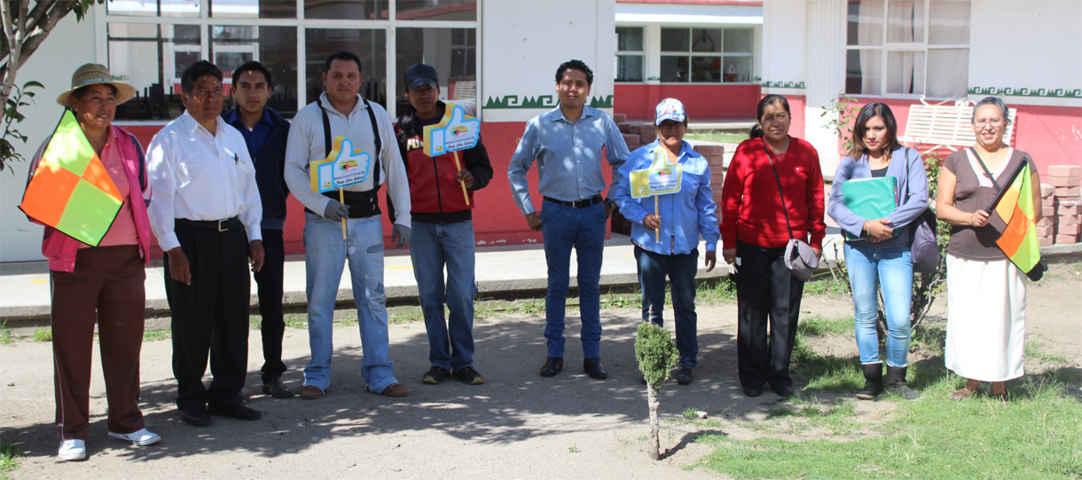 Alcalde de Tepetitla beneficia a 6 familias con empleo temporal