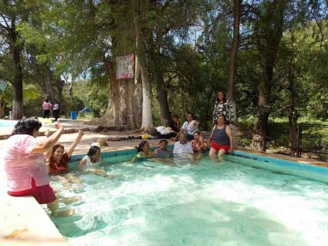El Ayuntamiento de Xiloxoxtla organizo un viaje para los abuelitos